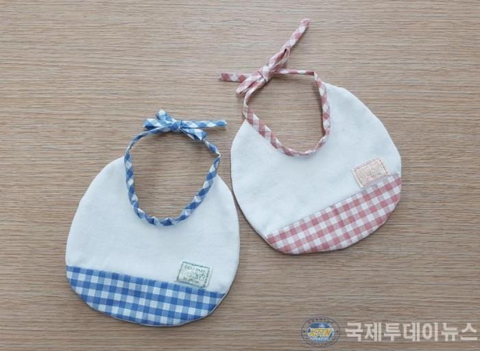 (3)신생아 턱받이 선물.jpg